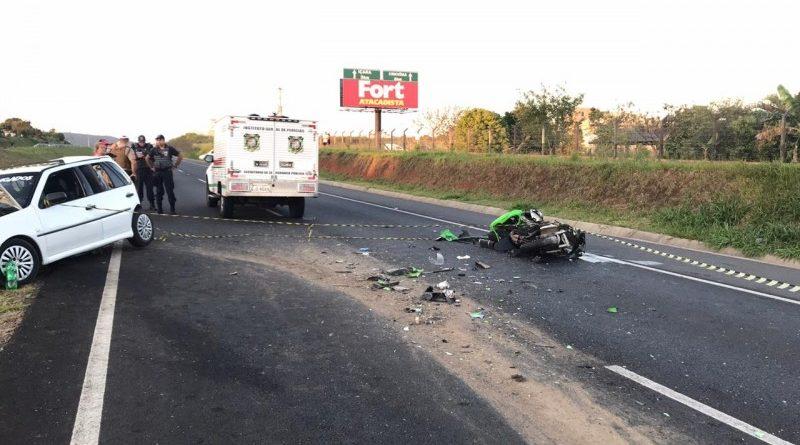 Torrense e mulher morrem em acidente entre carro e motocicleta