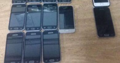 BM evita arremesso de 11 celulares para o interior da penitenciária de Osório
