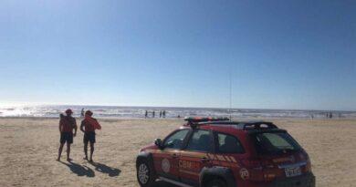 Adolescente desaparece no mar de Balneário Pinhal