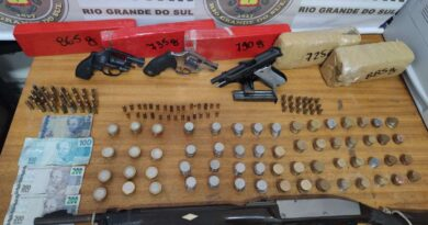 BM apreende armamento, munição e drogas em Balneário Pinhal